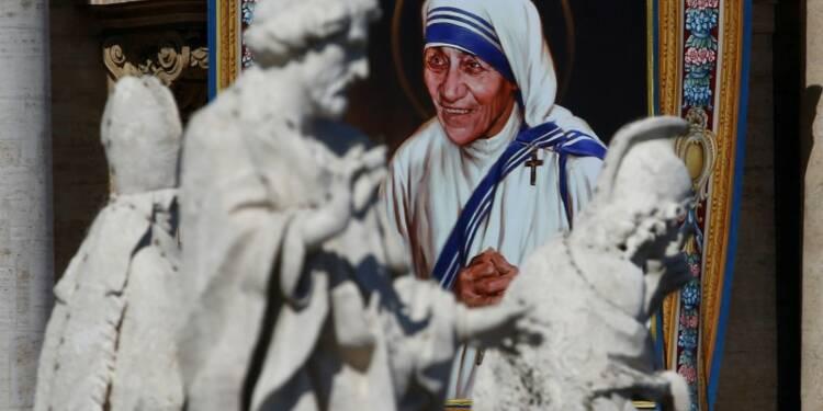 Le pape François élève Mère Teresa au rang de sainte