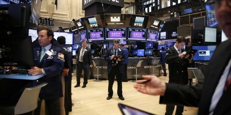 Wall Street ouvre en baisse avec le pétrole et le recul d'Apple