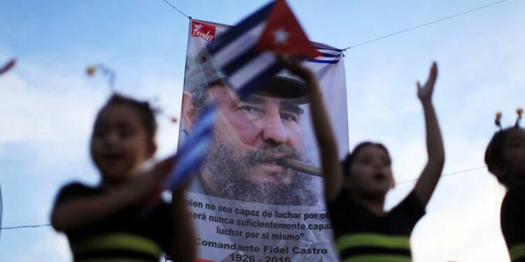 """Les Cubains entament les commémorations après la mort de """"Fidel"""""""