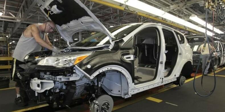 Hausse plus forte que prévu des commandes à l'industrie aux USA