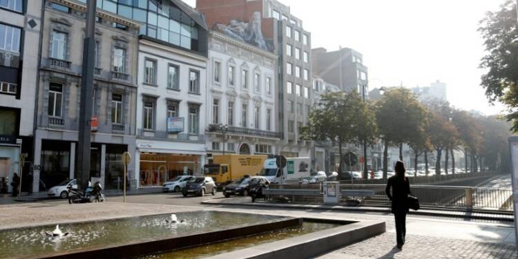 A Bruxelles, une pétition pour sauver un pénis mural géant
