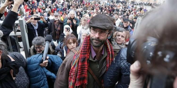 Cédric Herrou condamné à 3.000 euros d'amende avec sursis pour avoir aidé des migrants
