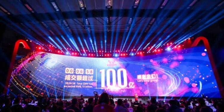 """Chine: la vente en ligne s'affole pour le """"Jour des célibataires"""""""