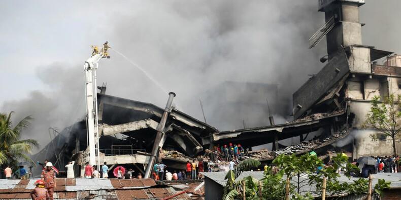 Vingt-trois morts dans l'incendie d'une usine au Bangladesh