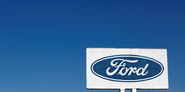 Ford publie un bénéfice net trimestriel en repli de plus de 50%