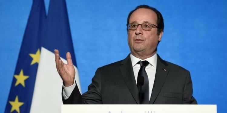 Hollande dénonce les attaques de la droite contre les pauvres