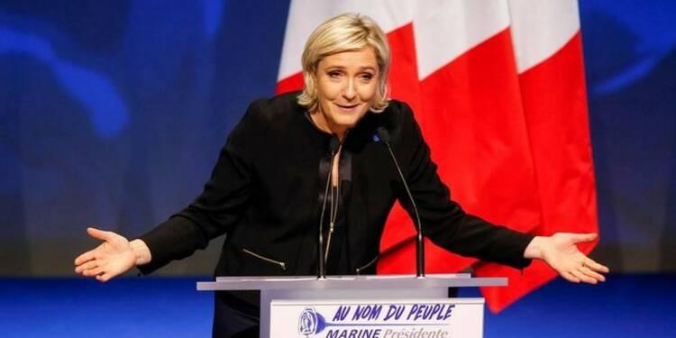 Le Pen candidate, même mise en examen