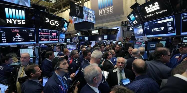 Wall Street ouvre en baisse, Trump inquiète