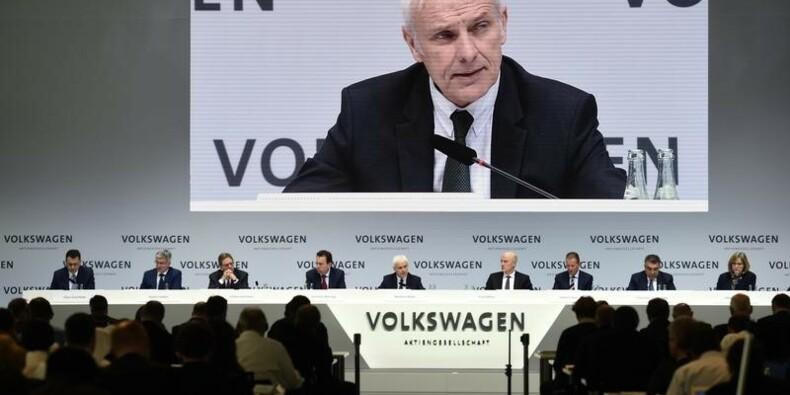Le président du directoire de VW n'exclut pas des discussions de fusion avec Fiat