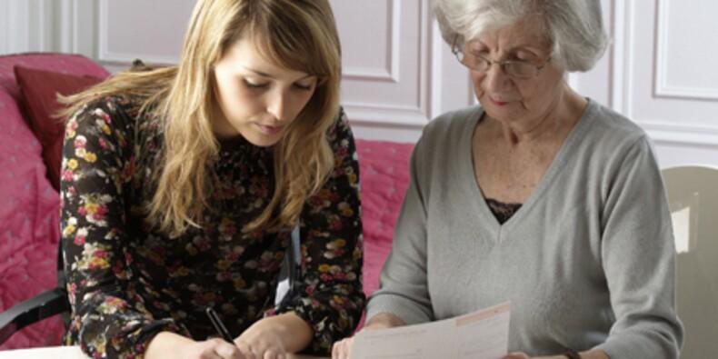 Les métiers du grand âge recrutent