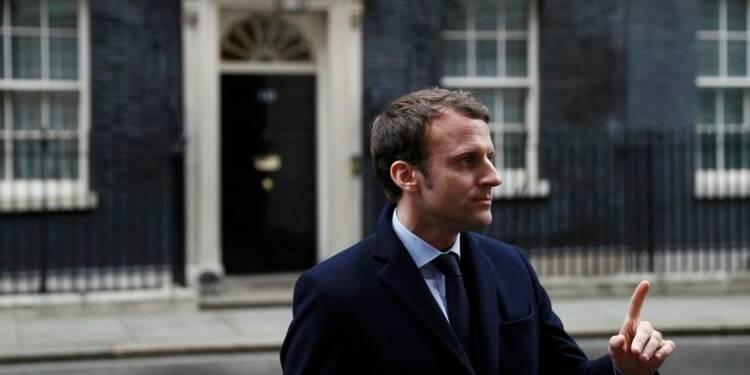 """Une sortie est une sortie"", dit Macron à Theresa May"