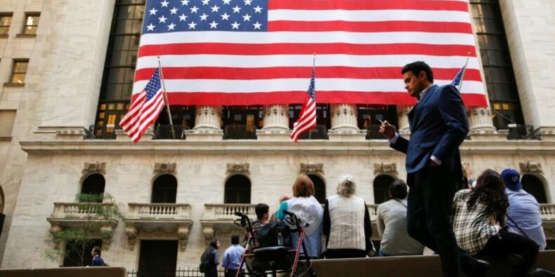 Wall Street rebondit fortement en pariant sur Clinton