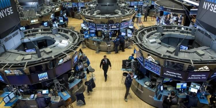 Wall Street finit la semaine sur une petite hausse