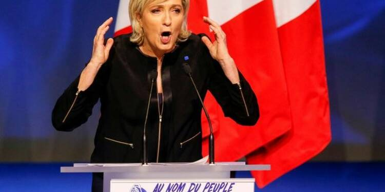 En campagne, Marine Le Pen veut s'inspirer de Donald Trump