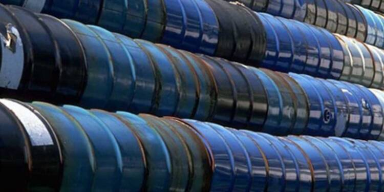Les cours du pétrole Brent au plus bas depuis près de 4 ans
