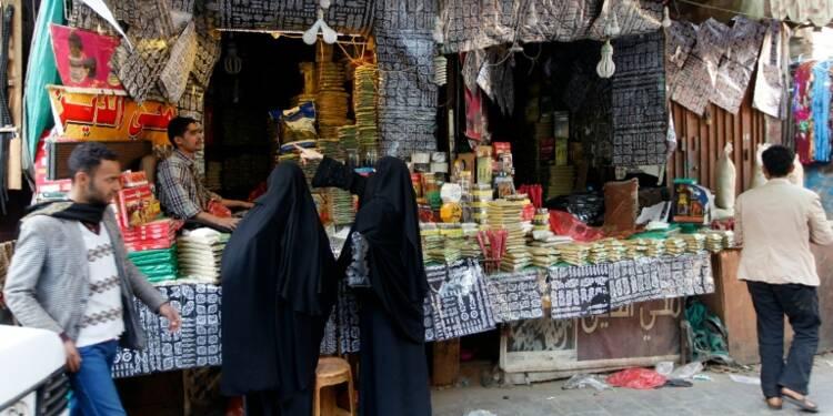 Sans salaire dans un pays en guerre, des Yéménites tentent de survivre