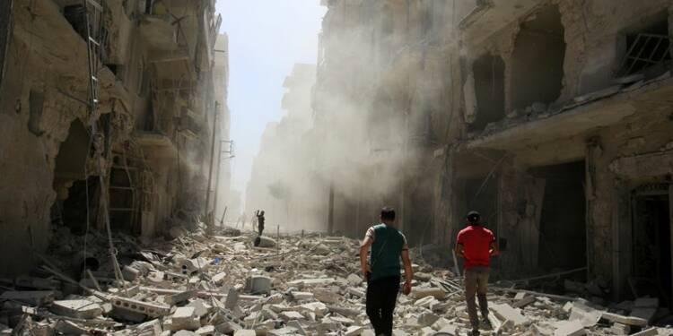 Nombreuses frappes aériennes nocturnes contre Alep en Syrie