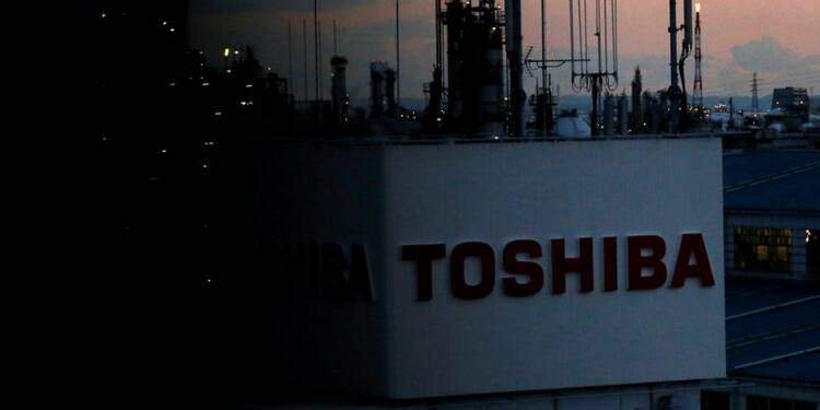 Toshiba poussé par ses banques à céder plus de 50% de ses puces