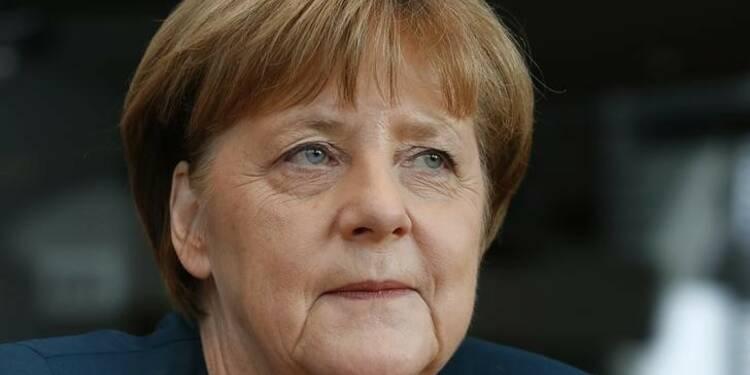 """Angela Merkel a appris le scandale du """"dieselgate"""" par la presse"""