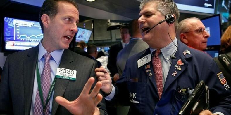 Wall Street pénalisée par les résultats et la politique US