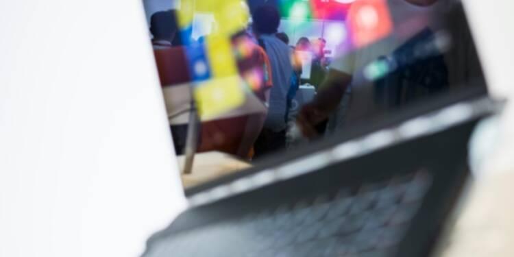 Fujitsu étudie la cession au chinois Lenovo du contrôle de ses activités de PC