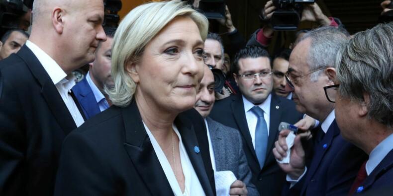 Rencontre annulée avec un mufti car Le Pen refuse de se voiler