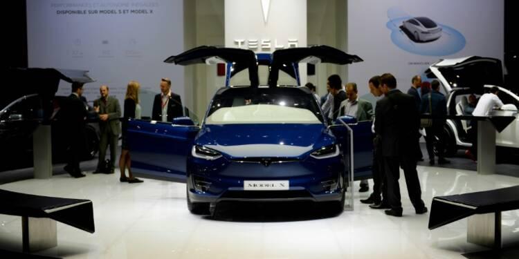 Tesla va équiper toutes ses voitures pour la conduite autonome