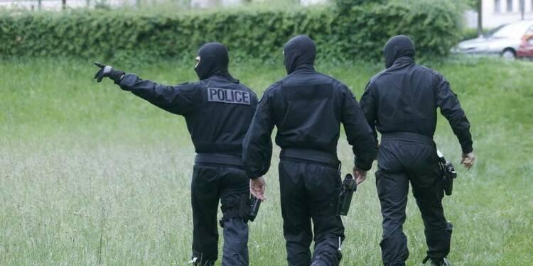 """COR Officielle-Un ancien militaire """"radicalisé"""" arrêté à Evreux"""
