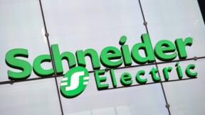 Schneider Electric, moins optimiste sur ses revenus, intensifie ses efforts