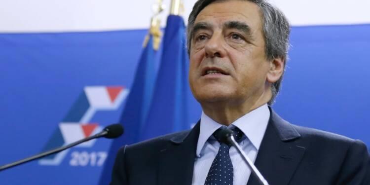 """""""Rien n'est joué"""", dit Fillon à ses soutiens parlementaires"""