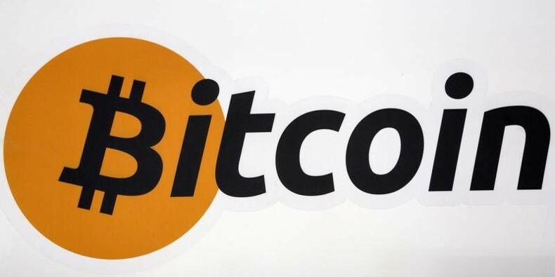 Le bitcoin proche de son pic, spéculations sur un ETF dédié