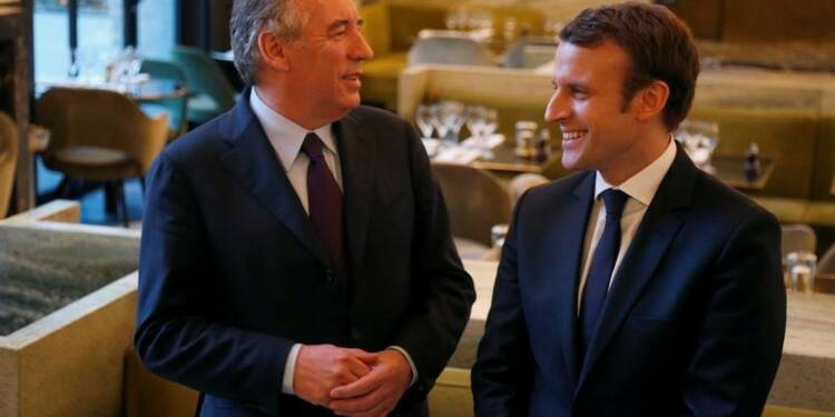L'alliance avec Bayrou profite à Macron face à Fillon