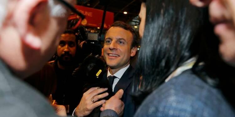 Macron se dit opposé à une trêve judiciaire pour Fillon