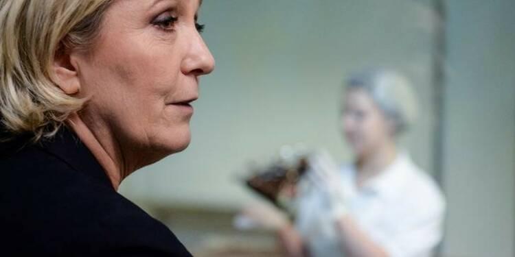Macron et Le Pen ex aequo, nouvelle mise en examen pour les assistants du FN