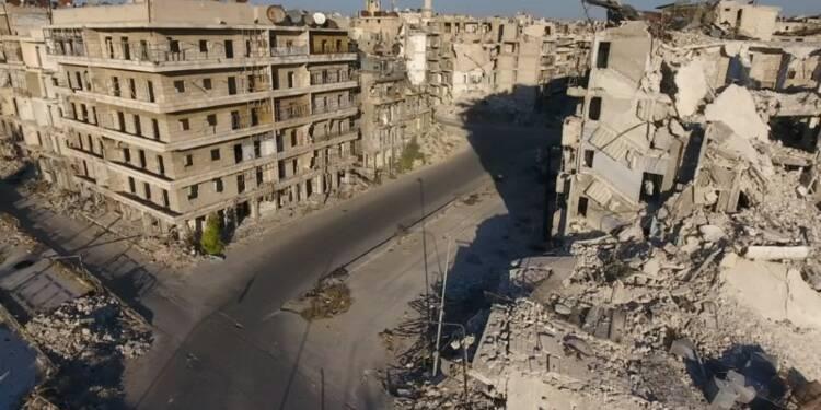La Syrie réduit le pilonnage d'Alep, Paris joue la diplomatie