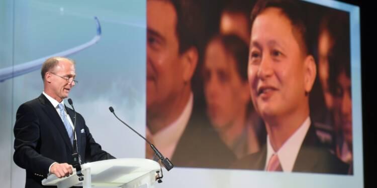Airbus relève ses objectifs de livraisons, bénéfice en léger recul