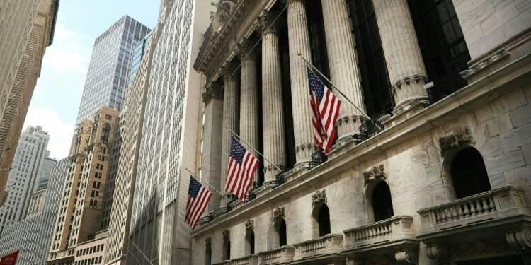 Wall Street finit en légère baisse, dominée par l'international