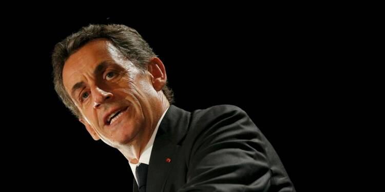 Sarkozy se dit certain d'une candidature de Hollande en 2017