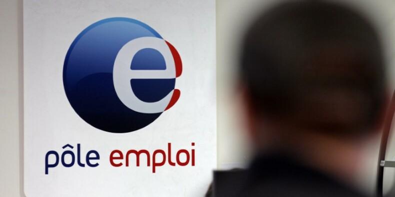 Petit rebond du chômage au pire moment pour Hollande