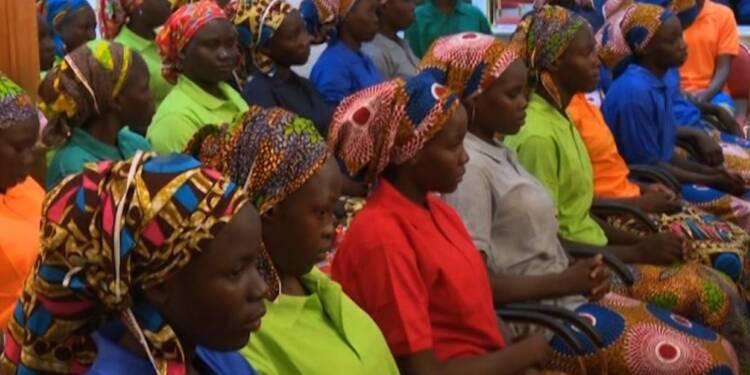 Nigeria: le président reçoit les 82 lycéennes de Chibok libérées