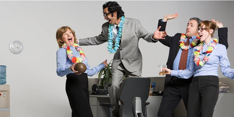 Les salariés risquent-ils vraiment d'être privés d'alcool au bureau ?