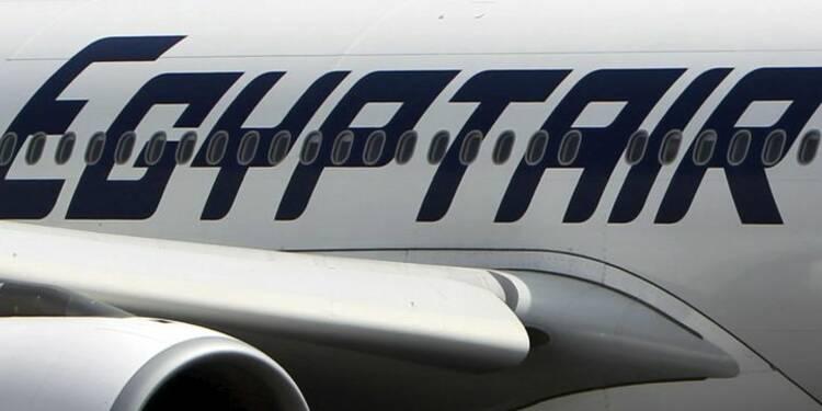 Un passager avec des explosifs aurait détourné le vol Egyptair
