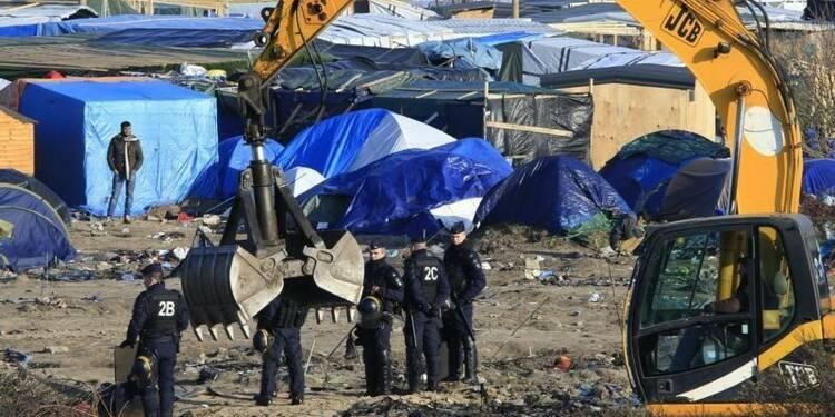 Interdiction des manifestations à Calais