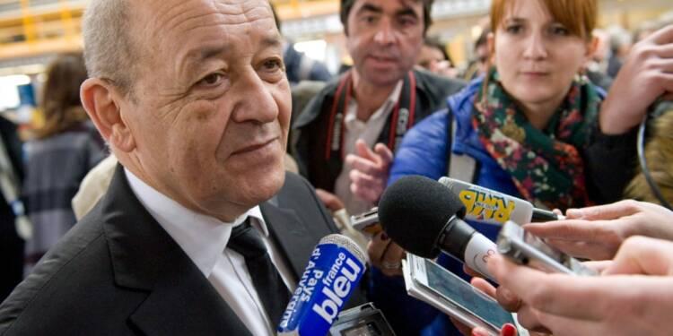 """Sous-marins: des """"milliers d'emplois"""" pour la France affirme Le Drian"""