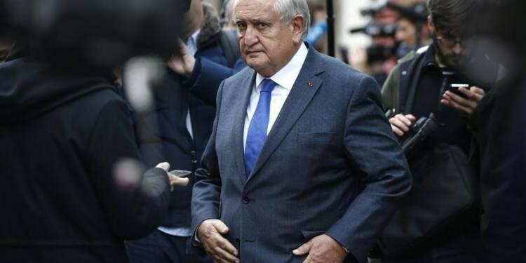 Raffarin ne voit pas d'incompatibililté entre Macron et Juppé