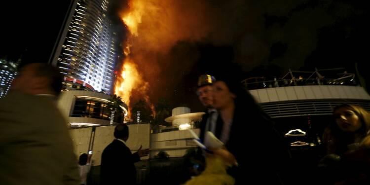 Violent incendie à Dubaï, près de la tour Burj Khalifa