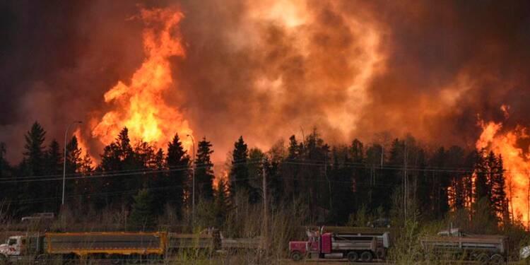 Un incendie conduit à des évacuations massives au Canada