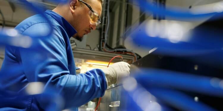 Légère contraction du secteur manufacturier en mars