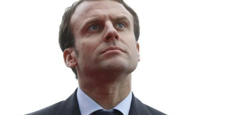 Percée d'Emmanuel Macron à un an de la présidentielle