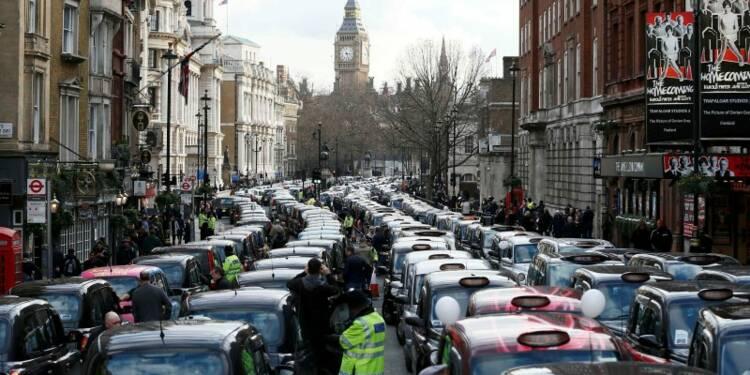 Le coeur de Londres bloqué par une manifestation de taxis